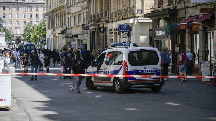 La rue Victor Hugo à Lyon le 25 mai 2019, au lendemain de l'explosion d'un colis piégé. (JOEL PHILIPPON / MAXPPP)