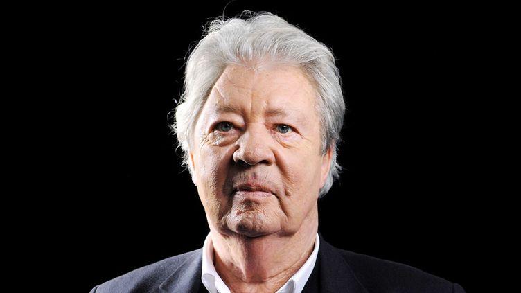 """Sempé pose pour l'émission """"La Traversée du miroir"""" sur France 5 le 19 janvier 2012.  (Baltel / Sipa)"""