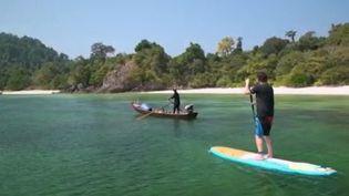 Des îles paradisiaques existent encore au bout du monde dans l'archipel des Mergui en Birmanie. Si elles sont préservées des touristes, elles le sont de moins en moins de la pollution marine. (france 2)