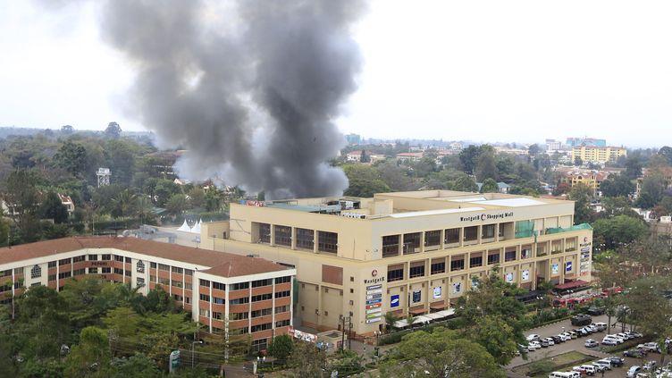 Le centre commercial Westgate, visé par une attaque terroriste des islamistes somaliens shebabs, à Nairobi (Kenya) le 23 septembre 2013. (NOOR KHAMIS / REUTERS)