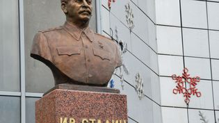 La statue de Staline érigée à Iakoutsk (Russie), le 8 mai 2013. (BOLOT BOTCHKAREV / RIA NOVOSTI / AFP)