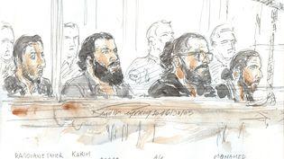 """Quatre des prévenusde la """"filière de Strasbourg"""", au tribunal correctionnel de Paris, le 30 mai 2016. (BENOIT PEYRUCQ / AFP)"""