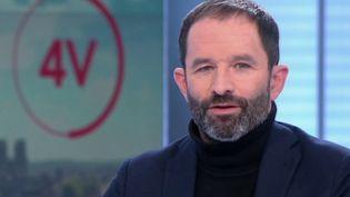"""Revenu universel: """"le travail, ce n'est pas que l'emploi"""", affirme Benoît Hamon (FRANCE 2)"""