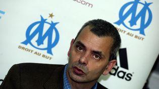 Christophe Bouchet annonce sa démission de la présidence de l'OM le 25 novembre 2004 (MAXPPP)