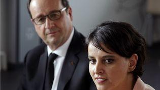 François Hollande et sa ministre de l'Éducation nationale,Najat Vallaud-Belkacem,assistent à une réunion avec les parents et les enseignants, dans le collège Jules-Verne, aux Mureaux (Yvelines), le 7 mai 2015. (PHILIPPE WOJAZER / AFP)