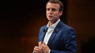 Emmanuel Macron, le 12 juillet 2016 lors d'un meeting à la Mutualité, une salle louée gratuitement. (FRANCOIS PAULETTO / CROWDSPARK / AFP)