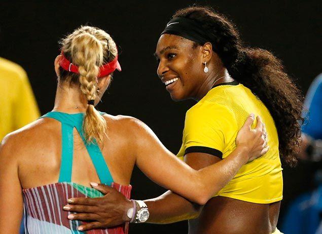 (Serena Williams a chaleureusement félicité son adversaire victorieuse © REUTERS / Issei Kato)