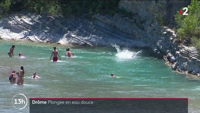 Drôme : touristes et locaux profitent des températures estivales, les pieds dans l'eau