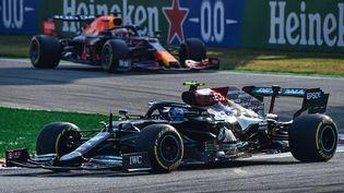 Vainqueur du sprint samedi,Valtteri Bottas partiraen revanche en fond de grille dimanche, après avoir installé un quatrième bloc moteur cette saison pour ce GP d'Italie vendredi. (MIGUEL MEDINA / AFP)