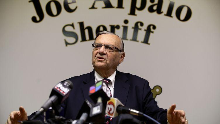 Le shérif Joe Arpaio lors d'une conférence de presse à Pheonix, en Arizona (Etats-Unis), le 31 août 2012. (JOSHUA LOTT / REUTERS)