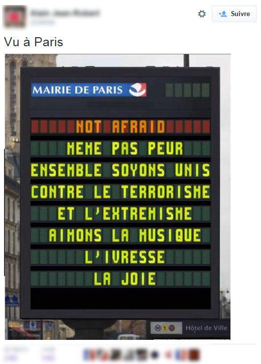 """(Faux panneau """"not afraid"""" © Catpure d'écran Twitter)"""
