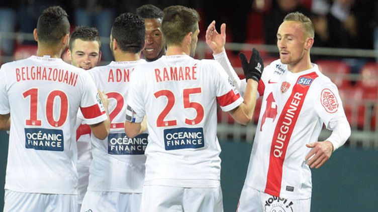 Les joueurs de Brest sont heureux après leur succès (THIERRY CREUX / MAXPPP)