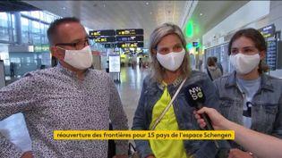 Des touristes autorisés à voyager dans l'Union européenne (FRANCEINFO)