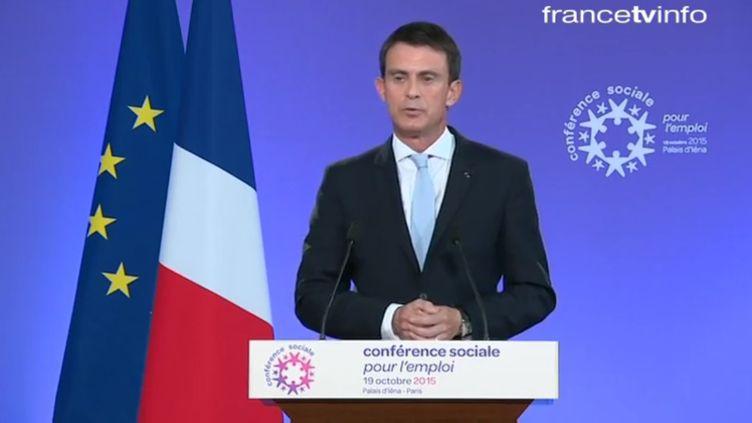 Manuel Valls lors de la quatrième conférence sociale, le 19 octobre 2015, à Paris.