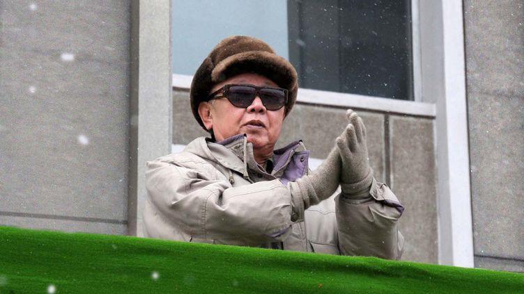 Le dirigeant nord-coréen Kim Jong-il, le 6 mars 2010 à Hamhung (Corée du Nord). (KCNA VIA KNS /AFP PHOTO)