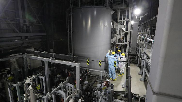 Des installations dans la centrale numéro 1 de Fukushima (Japon), le 19 décembre 2019. (KANAME MUTO / YOMIURI / AFP)