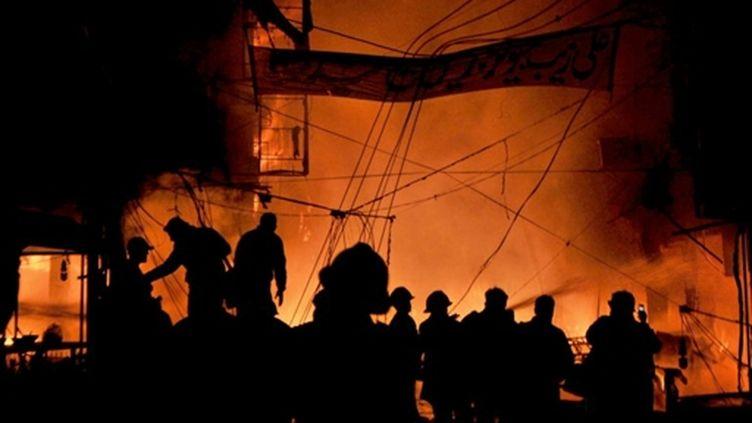Attentat meurtrier à Lahore, au Pakistan, le 7 décembre 2009. (AFP/ARIF ALI)