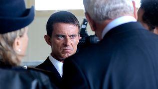 Le Premier ministre, Manuel Valls, lors d'un déplacement à Calais, le 31 août 2015. (DENIS CHARLET / AFP)