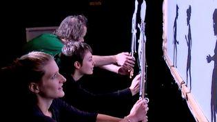 L'école Internationale des marionnettes forme une douzaine d'élèves chaque année  (France3/culturebox)