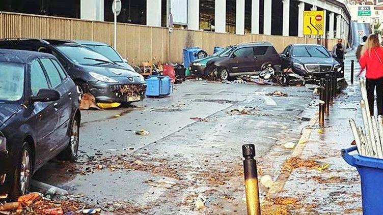Les rues de Cannes dévastées par les inondations, le 4 octobre 2015. (JER CRUNCHANT / TWITTER / FRANCETV INFO)