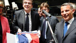 Arnaud Montebourg, le 1er juillet 2013, lors d'une visite sur le Salon du Made in France, à Paris. (SYLVAIN THOMAS / AFP)