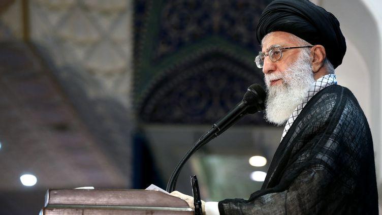 Ali Khameinei, leguide suprême iranien, lors d'un discours à Téhéran, la capitale iranienne, le 26 juin 2017. (IRANIAN SUPREME LEADER'S WEBSITE / AFP)