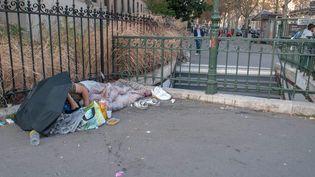 Les enfants sont très sensibilisés par la pauvreté dans la rue, mais c'est à l'école qu'ils disent l'avoir vraiment appréhendée (Photo d'illustration) (MAXPPP)