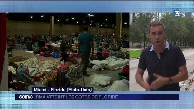 États-Unis : l'ouragan Irma atteint les côtés de Floride
