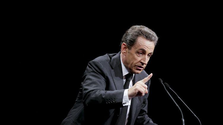 (Nicolas Sarkozy à la tribune du meeting de Sens commun samedi © Maxppp)