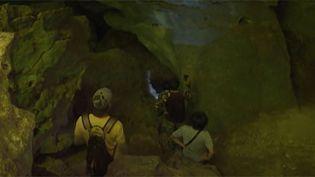 Une grotte avec des peintures millénaires découverte en Thaïlande. (FRANCEINFO)