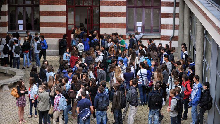 Les élèves devront avoir le porte-clés en permanence avec eux. (FRANK PERRY / AFP)