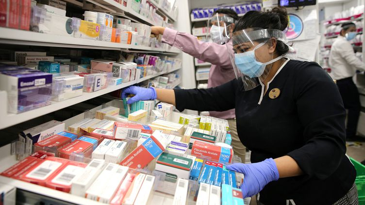 Plusieurs pharmaciens ont détecté la supercherie, intrigués par les prix compétitifs et le fait qu'on leur demande de payer à l'avance la marchandise. (ISABEL INFANTES / AFP)
