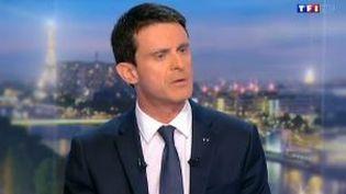 Manuel Valls sur le plateau de TF1 le 7 décembre 2015 (TF1)