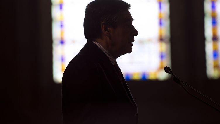 François Fillon s'exprime dans l'abbaye de Royaumont, à Asnières-sur-Oise (Val-d'Oise), le 2 décembre 2012. (FRED DUFOUR / AFP)