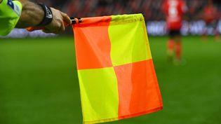 Arbitre de touche,Ligue 2. (NICOLAS CREACH / MAXPPP)