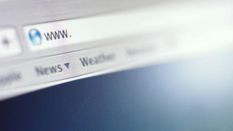 Un projet de règlement américain prévoit que les fournisseurs d'accès à internet puissent faire payer les sites pour qu'ils bénéficient d'une connexion optimale. (OJO IMAGES RF / GETTY IMAGES)