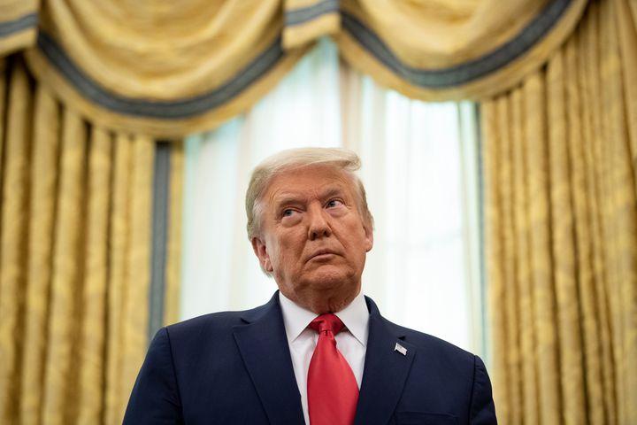 Le président américain, Donald Trump, dans le Bureau ovale de la Maison Blanche (Washington), le 3 décembre 2020. (BRENDAN SMIALOWSKI / AFP)