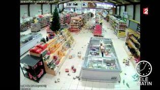 Les dégâts du séisme au Chili dans un supermarché (FRANCE 2)