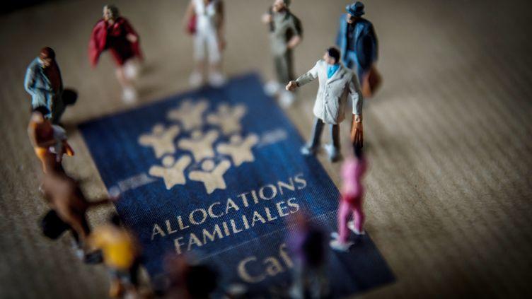 Les APL sont versées par la Caisse d'allocations familiales. (PHILIPPE HUGUEN / AFP)