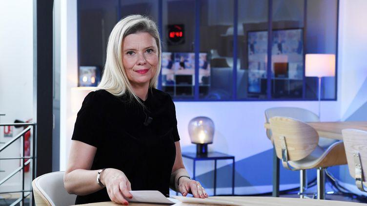 La journaliste Aude Lancelin, sur le plateau du Média, à Montreuil, le 18 septembre 2018. (ALAIN JOCARD / AFP)