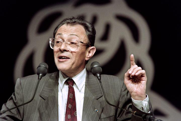 Le Premier ministre, Michel Rocard, prononce un discours lors du Xème congrès national du Parti socialiste, le 16 mars 1990, à Rennes. (AFP)