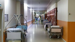 Des lits dans un hôpital de Metz-Tessy en Haute-Savoie, le 4 janvier 2017. (MAXPPP)