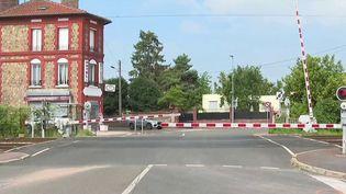 Val-d'Oise : deux agents de la sûreté ferroviaire tirent sur un homme armé (France 2)