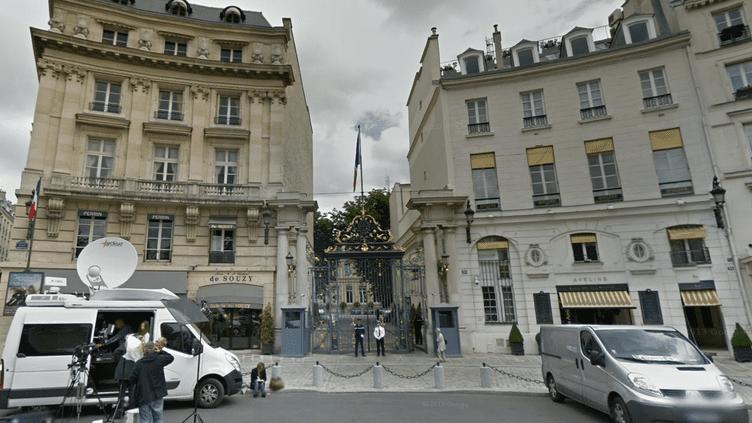 L'entrée du ministère de l'Intérieur, place Beauvau, dans le 8e arrondissement de Paris. (GOOGLE STREET VIEW / FRANCETV INFO)