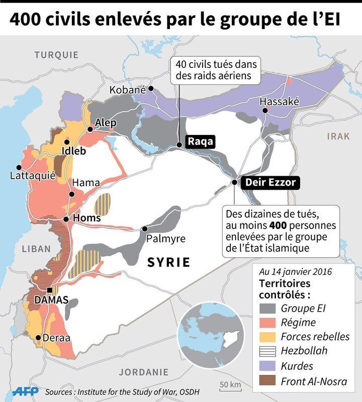 Localisation de Deir Ezzor où le groupe de l'Etat islamique a enlevé 400 personnes après en avoir tué des dizaines d'autres et de Raqqa où 40 civils ont péri samedi dans des raids aériens (Vincent LEFAI, Paz PIZARRO / AFP)