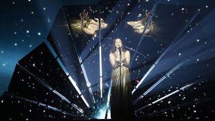 Lucie Jones, la candidate britannique à l'Eurovision 2017 pendant les répétitions à Kiev.  (Sergei Chuzavkov/AP/SIPA)