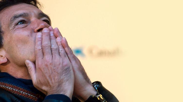 """L'acteur espagnol Antonio Banderas lors de la première de """"A Chorus Line"""", qui inaugure son""""Teatro del Soho"""", qu'il a fondéà Malaga, 15 novembre 2019 (JORGE GUERRERO / AFP)"""
