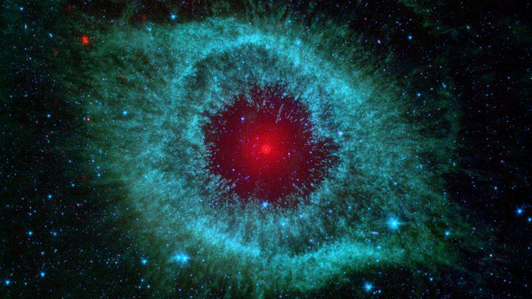 La nébuleuse Hélix, de la constellation Aquarius. (NASA / JPL-CALTECH / UNIVERSITY OF ARIZONA)