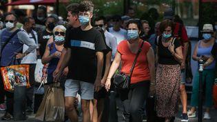 Le port du masque à l'extérieur est de nouveau obligatoire à Toulouse (Haute-Garonne), le 20 juillet 2021. (FREDERIC SCHEIBER / HANS LUCAS / AFP)