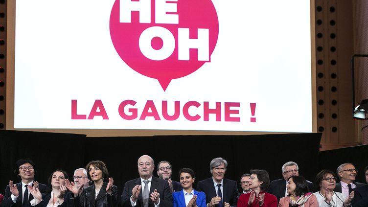 """Les ministres rassemblés autour de Stéphane Le Foll, au meeting """"Hé oh la gauche !"""", le 25 avril 2016 à Paris. (GEOFFROY VAN DER HASSELT / AFP)"""